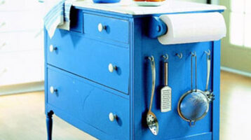 Illa de cuina sobre moble vintage